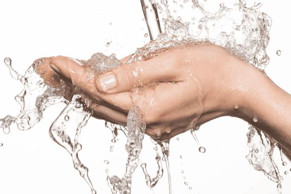 Как сохранить руки чистыми, если помыть их негде?