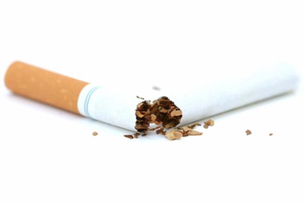 Неприятный запах во время сна помогает избавиться от курения
