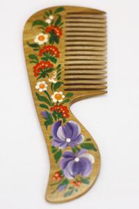Специальный подарок - расписная деревянная расческа